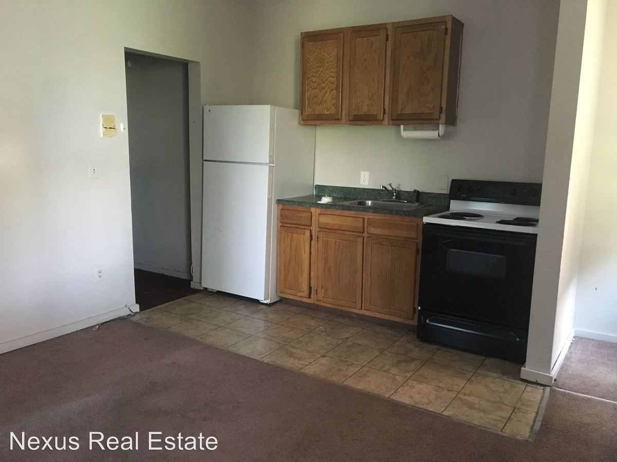 2 Bedrooms 1 Bathroom Apartment for rent at 3408 Parkview Avenue in Pittsburgh, PA