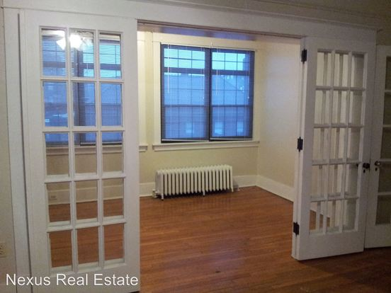 3 Bedrooms 1 Bathroom Apartment for rent at 5552 Phillips Avenue in Pittsburgh, PA
