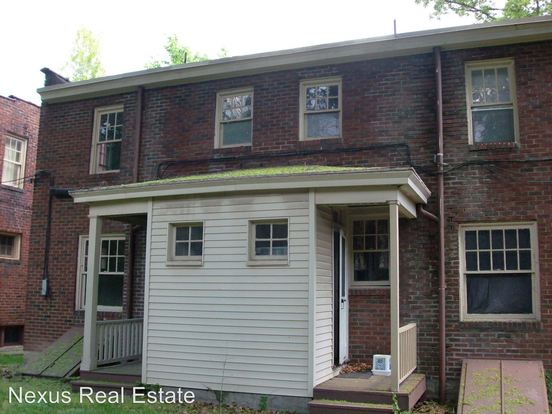 2 Bedrooms 1 Bathroom Apartment for rent at 760 782 Shady Drive East in Pittsburgh, PA