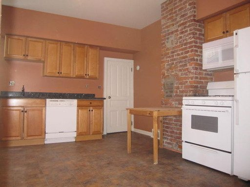 2 Bedrooms 1 Bathroom Apartment for rent at 3942 Mintwood Street in Pittsburgh, PA