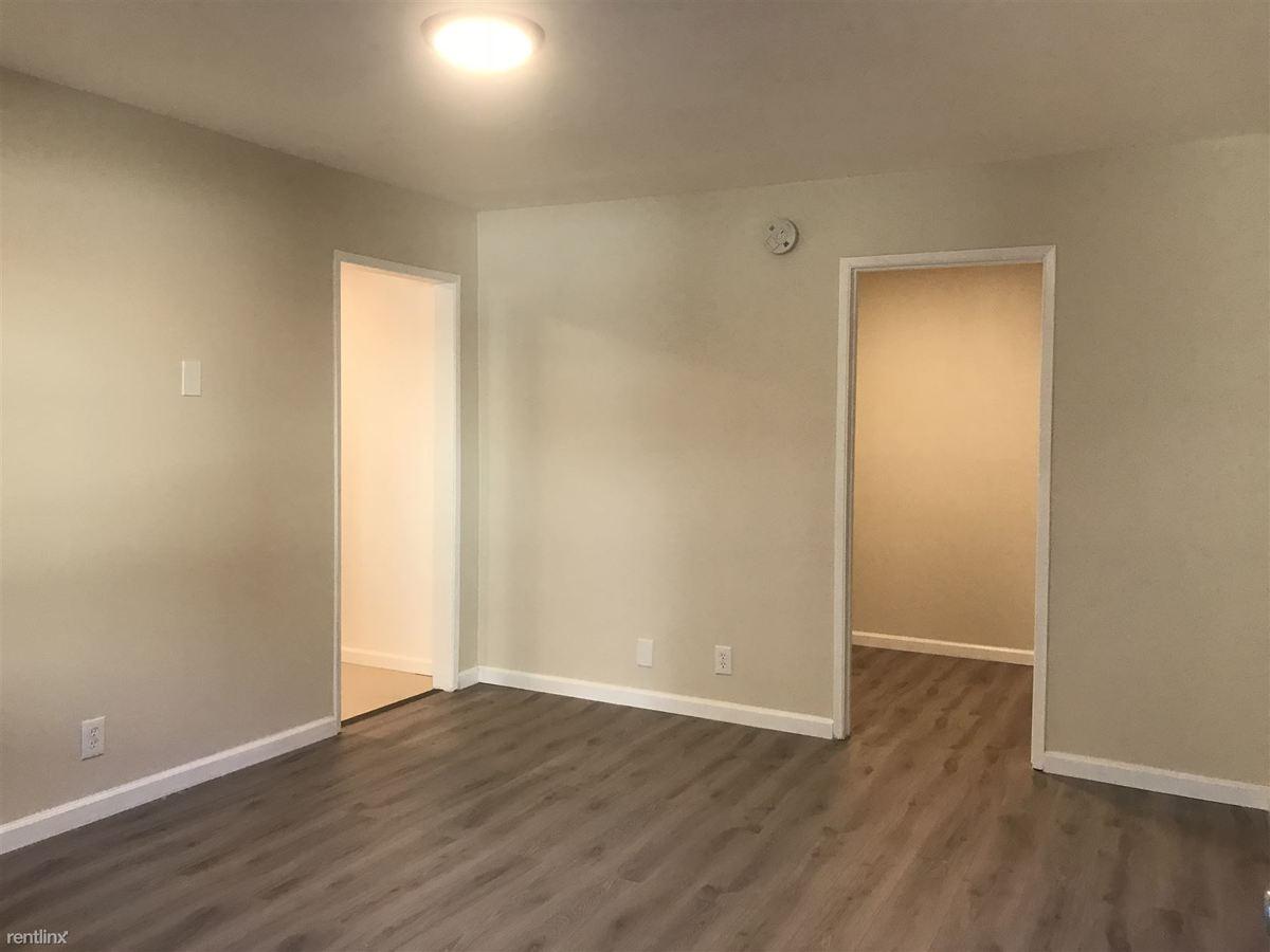 Studio 1 Bathroom Apartment for rent at 7237 Amigo Ave in Reseda, CA