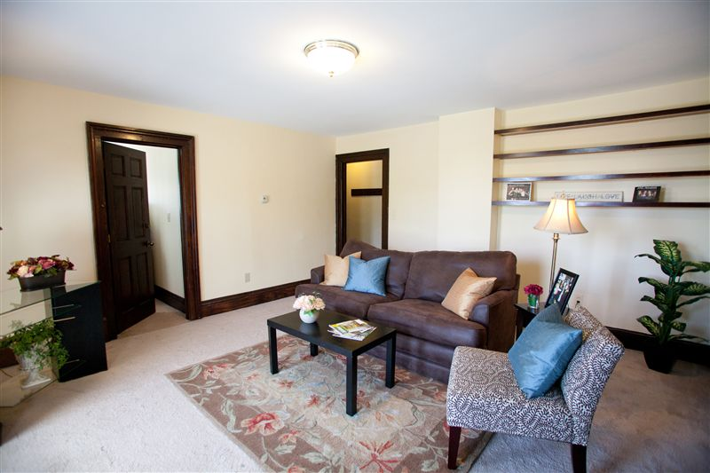 3 Bedrooms 1 Bathroom House for rent at 733 Oakland Ave in Ann Arbor, MI
