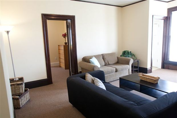 5 Bedrooms 2 Bathrooms House for rent at 733 Oakland Ave in Ann Arbor, MI