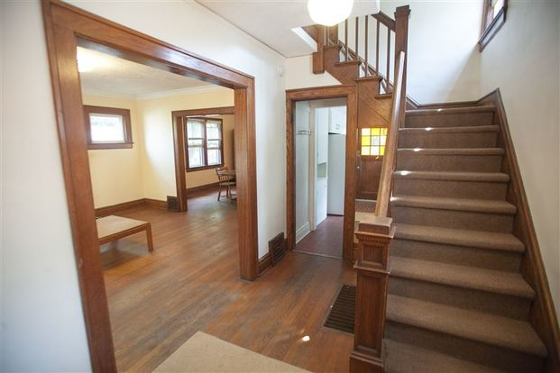 3 Bedrooms 1 Bathroom House for rent at 1208 Roosevelt Ct in Ann Arbor, MI