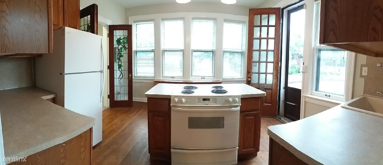 2 Bedrooms 1 Bathroom Apartment for rent at 1022 S Forest Ave in Ann Arbor, MI
