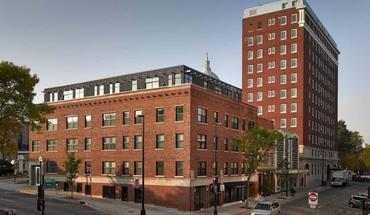Similar Apartment at Capitol Hill