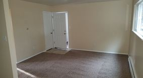 Similar Apartment at Newly Remodeled Larger 2 Bedroom Garden Level Apartment For Rent Near Ward Road & I 70 In Wheat Ridge.