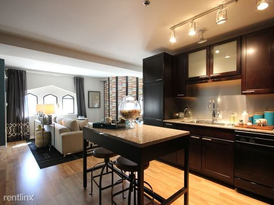 2 Bedrooms 2 Bathrooms Apartment for rent at 188 West Randolph Street in Chicago, IL