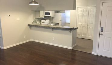 Similar Apartment at Cool Loft Space Near Downtown 3/2