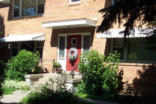 2 Bedrooms 1 Bathroom Apartment for rent at Berwyn Apartments in Madison, WI