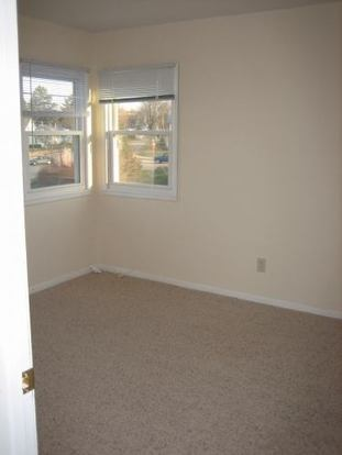 2 Bedrooms 1 Bathroom Apartment for rent at Park Ridge Apartments in Madison, WI