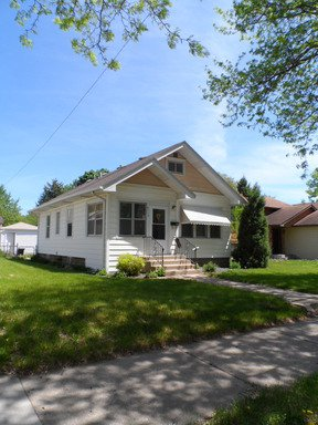 2 Bedrooms 1 Bathroom Apartment for rent at 3715 37th Avenue S in Minneapolis, MN