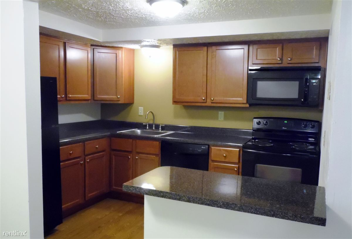1 Bedroom 2 Bathrooms House for rent at Royal Manor Apartments in Allison Park, PA