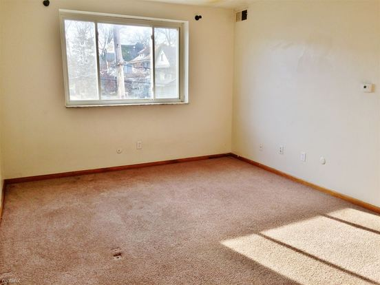1 Bedroom 1 Bathroom Apartment for rent at 250 Laurel Ave in Bellevue, PA