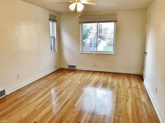 2 Bedrooms 1 Bathroom Apartment for rent at 5524 Covode St in Pittsburgh, PA