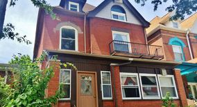 Similar Apartment at 222 S Saint Clair St