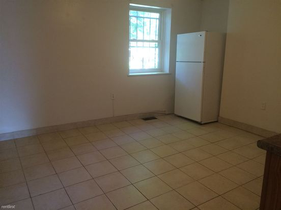 2 Bedrooms 1 Bathroom Apartment for rent at 523 N Negley Ave in Pittsburgh, PA