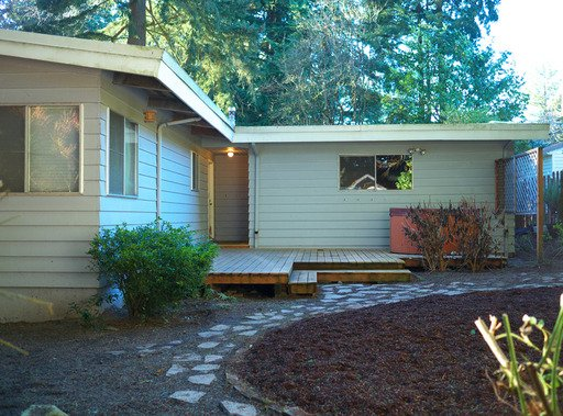 3 Bedrooms 1 Bathroom Apartment for rent at 7470 SW greenwood Drive in Portland, OR