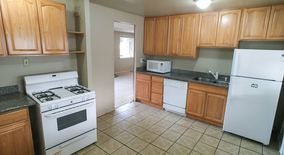 Similar Apartment at 2807 Ne 16th St
