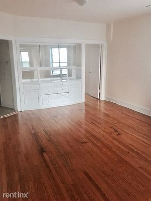 3 Bedrooms 1 Bathroom Apartment for rent at 1527 N Western Ave in Chicago, IL