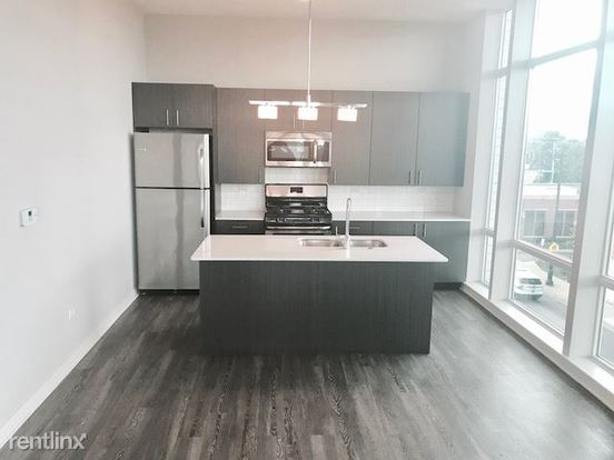 2 Bedrooms 2 Bathrooms Apartment for rent at 1545 W North Ave in Chicago, IL