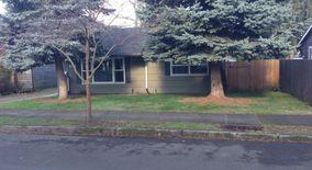Similar Apartment at 3109 N Arlington Plc