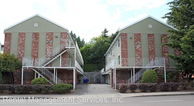 2 Bedrooms 1 Bathroom Apartment for rent at 3803 3805 Se Cesar Chavez Blvd in Portland, OR