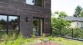 Similar Apartment at 7910 N Wayland Ave