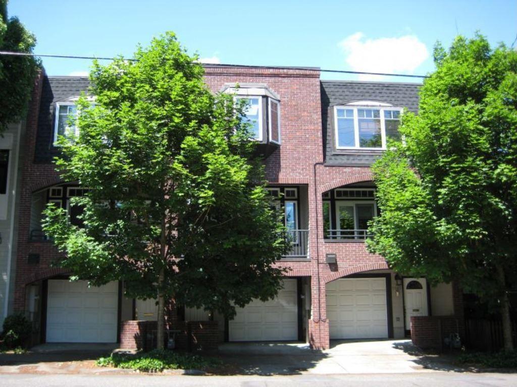 Similar Apartment at 2665 Nw Thurman St