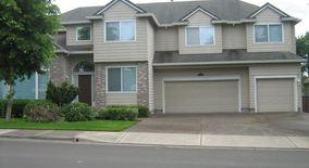 Similar Apartment at 10660 Sw Edgewood Ct