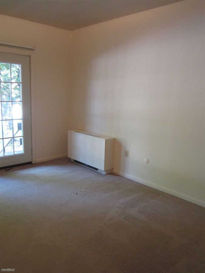 2 Bedrooms 2 Bathrooms Apartment for rent at 6350 Forward Avenue in Pittsburgh, PA