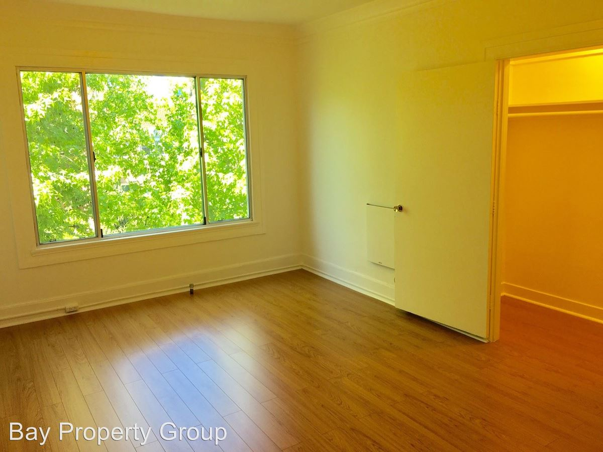 2 Bedrooms 1 Bathroom Apartment for rent at 1580 Madison Street in Oakland, CA