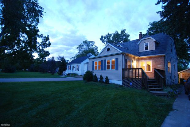3 Bedrooms 2 Bathrooms House for rent at 2759 Hickory Lawn Rd in Rochester Hills, MI
