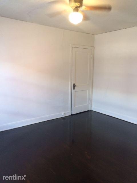 Studio 1 Bathroom Apartment for rent at 1324 N Ogden St in Denver, CO