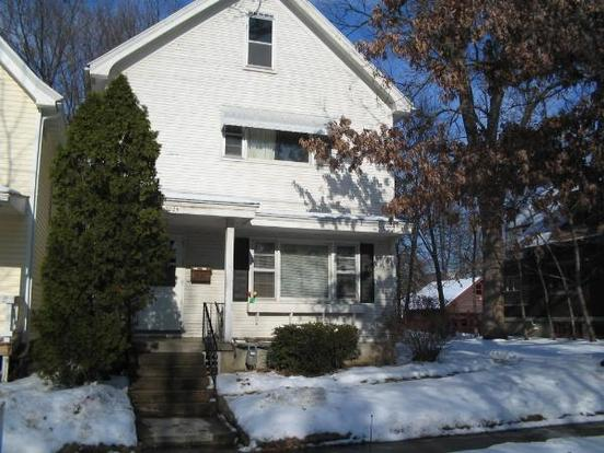 3 Bedrooms 1 Bathroom House for rent at 1024 Drake St in Madison, WI