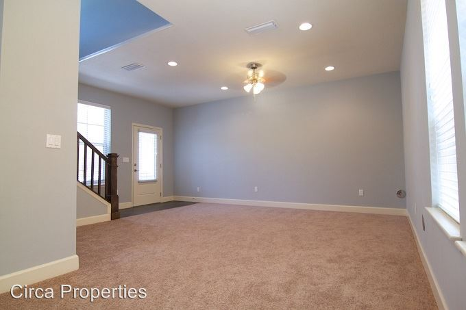 4 Bedrooms 4+ Bathrooms Apartment for rent at 1433 Nw 3rd Ave in Gainesville, FL