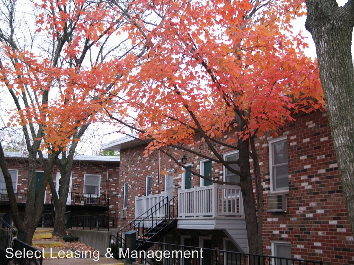 1 Bedroom 1 Bathroom Apartment for rent at 7828 Laclede Forest Drive in Maplewood, MO
