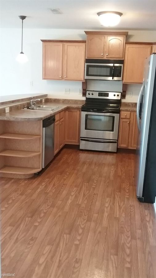 2 Bedrooms 2 Bathrooms Apartment for rent at 920 Lofts in S Milwaukee, WI