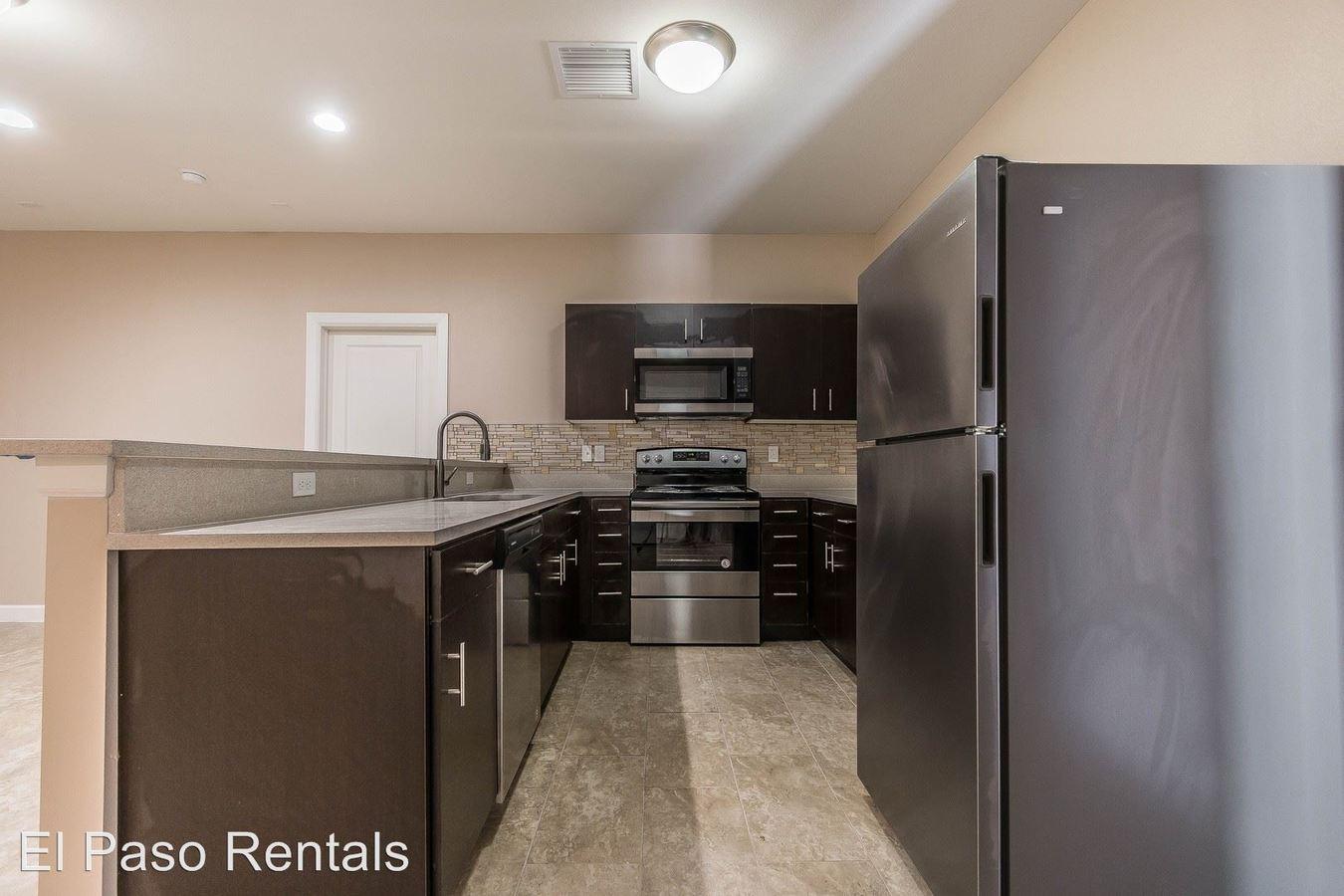 3 Bedrooms 2 Bathrooms Apartment for rent at 1551 N. Stanton Street in El Paso, TX