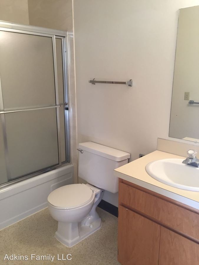2 Bedrooms 1 Bathroom Apartment for rent at 1414 E. 18th Ave. in Eugene, OR
