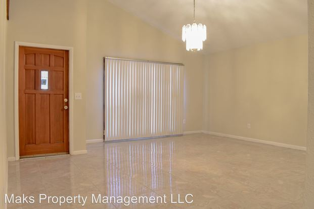 1 Bedroom 1 Bathroom Apartment for rent at 7295 7297 Albany Rd in Fort Myers, FL