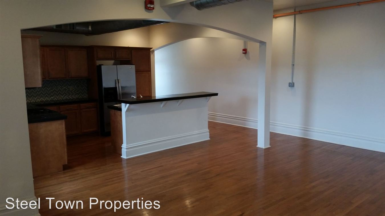 4 Bedrooms 2 Bathrooms Apartment for rent at 2405 Sarah Street in Pittsburgh, PA