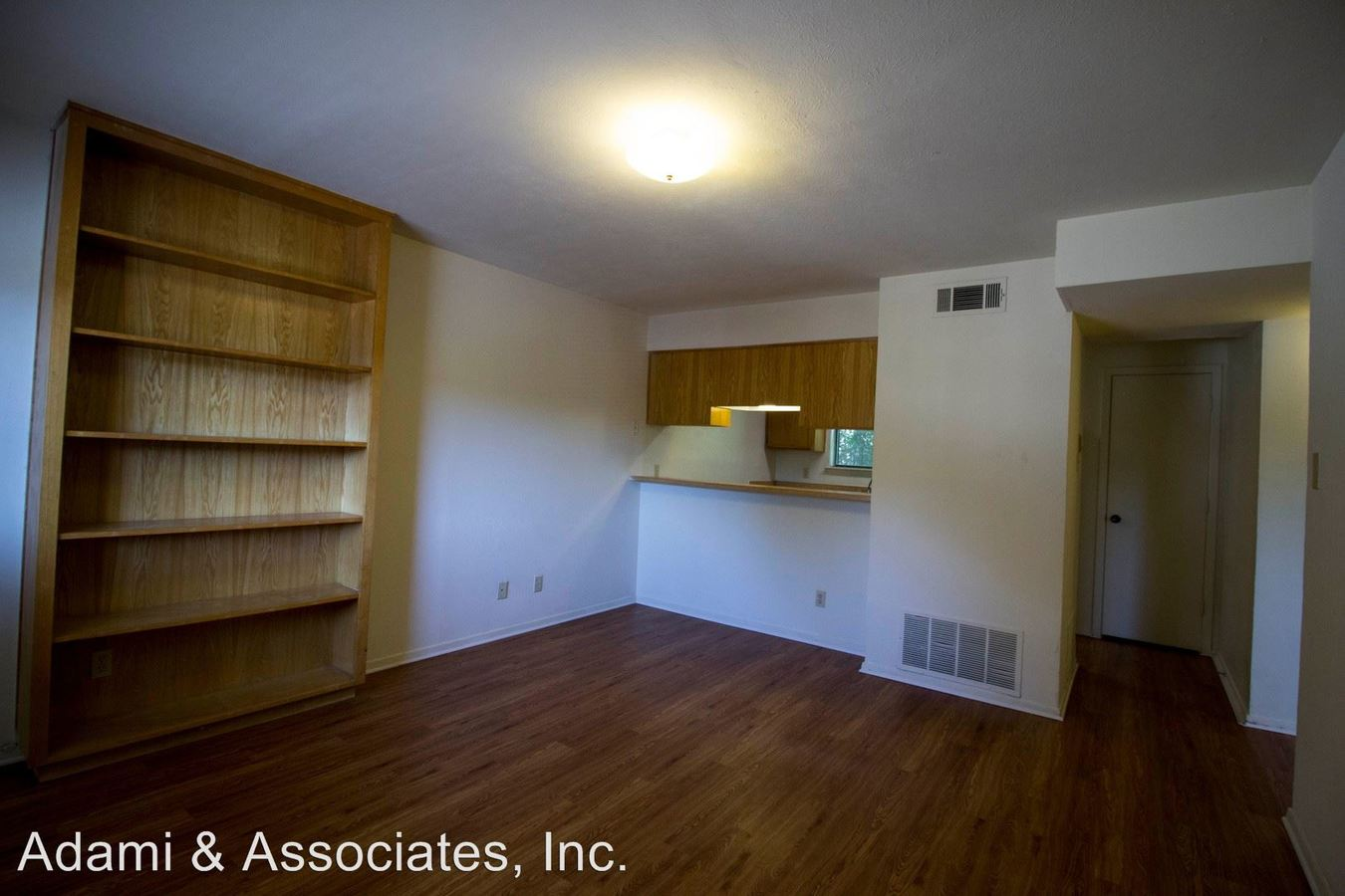 1 Bedroom 1 Bathroom Apartment for rent at 1700 West Hickory in Denton, TX