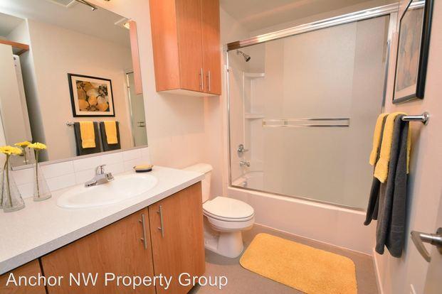 1 Bedroom 1 Bathroom Apartment for rent at 1980 Se Morrison in Portland, OR