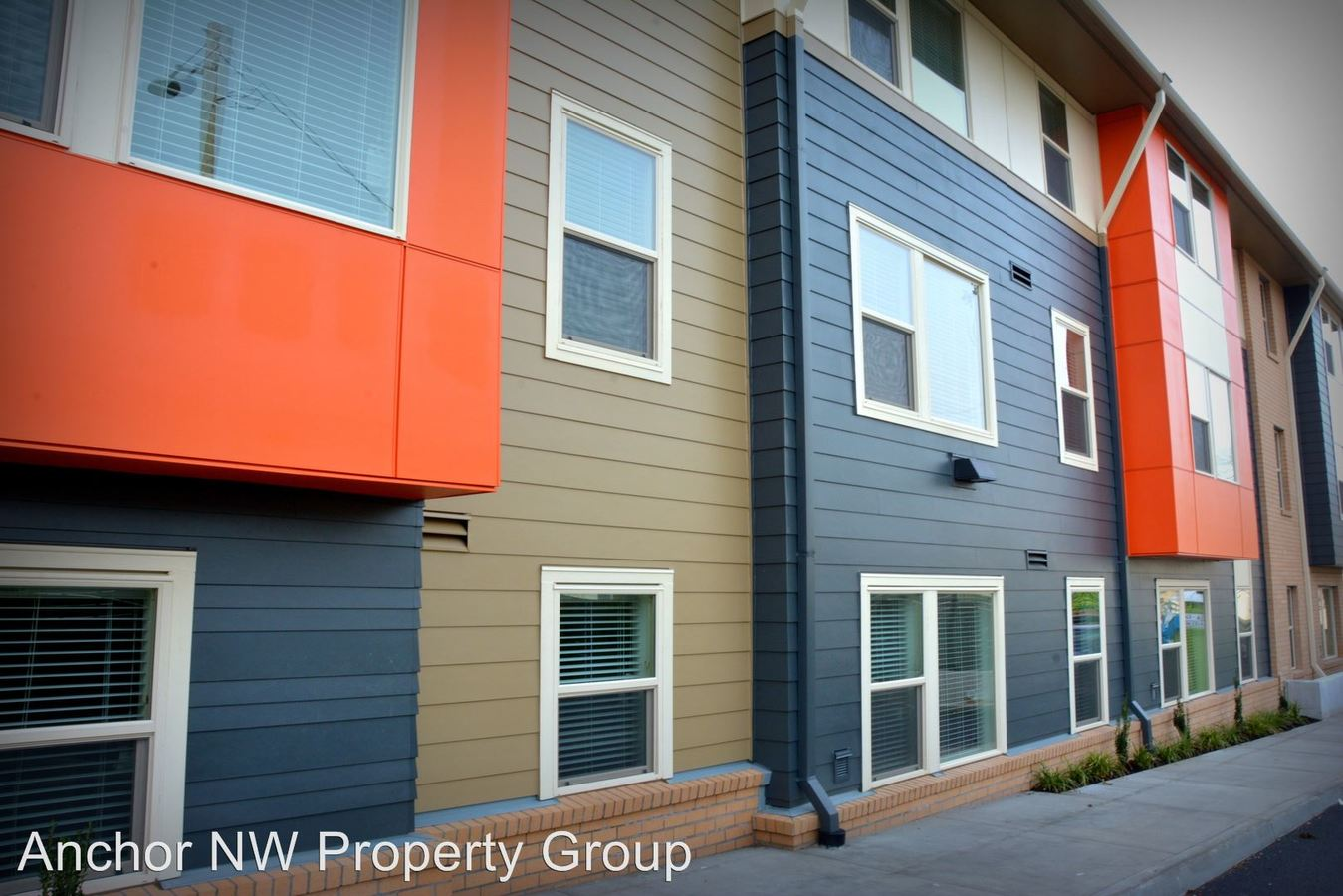 2 Bedrooms 1 Bathroom Apartment for rent at 700 Se Cesar E Chavez Blvd. in Portland, OR