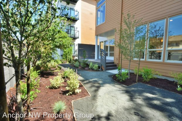 2 Bedrooms 2 Bathrooms Apartment for rent at 2640 Se Ankeny Street in Portland, OR