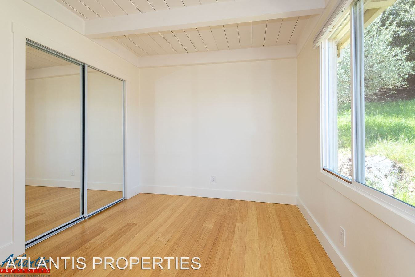 1 Bedroom 1 Bathroom Apartment for rent at 601 Middle Road in Belmont, CA
