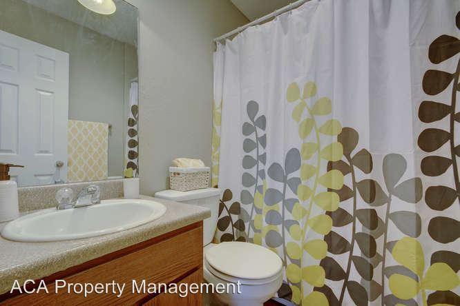 2 Bedrooms 1 Bathroom Apartment for rent at Arbor Cove 5704 B Cougar Drive in Austin, TX