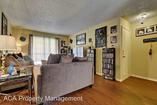 1 Bedroom 1 Bathroom Apartment for rent at 9315 Northgate Blvd in Austin, TX