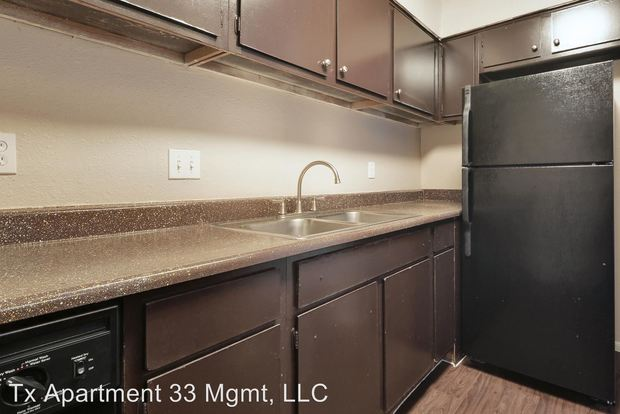 1 Bedroom 1 Bathroom Apartment for rent at 1711 Rutland Dr in Austin, TX